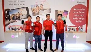 Smartphone Selfie Wide Angle