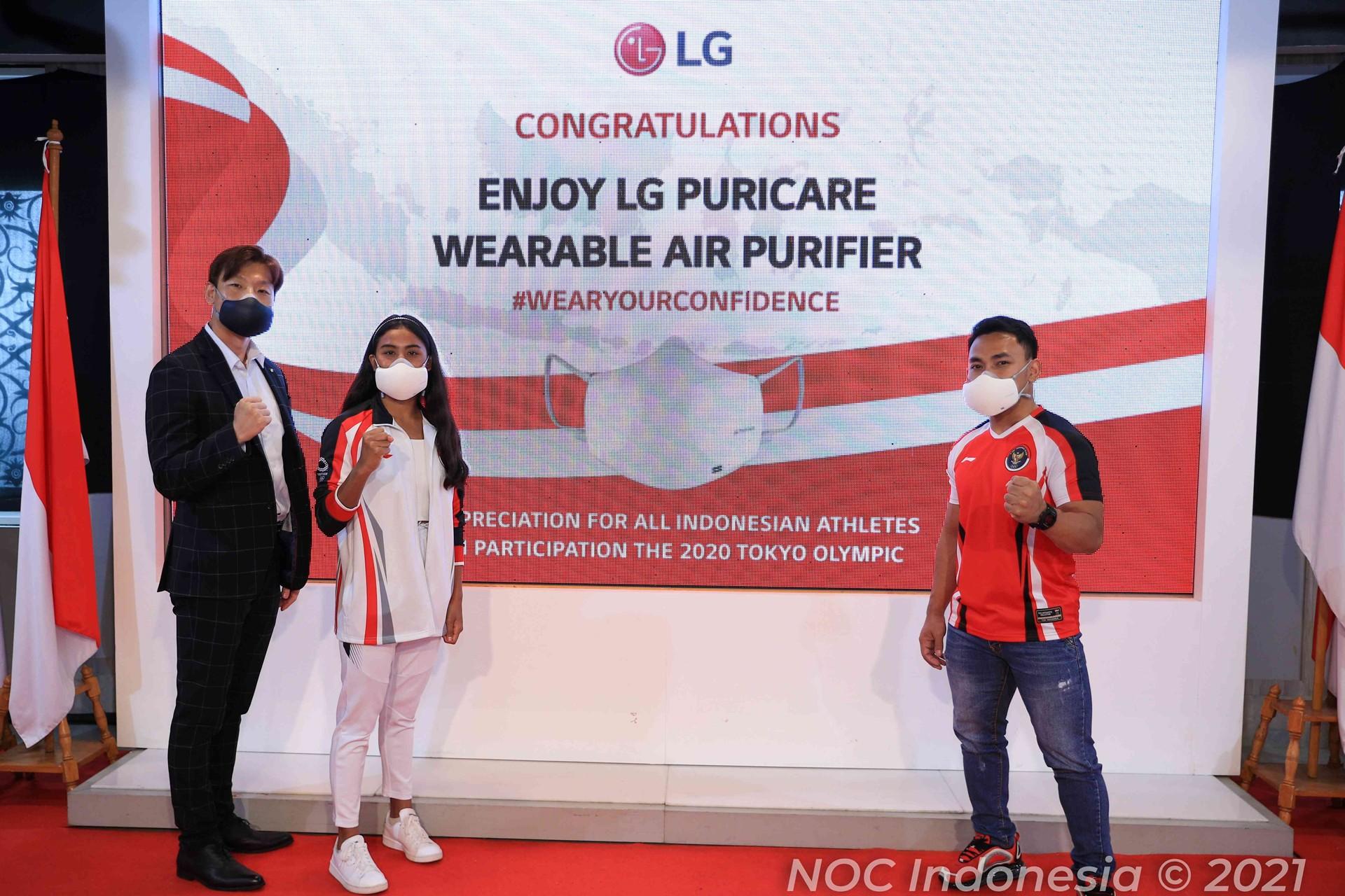 LG PuriCare Wearable Air Purifier
